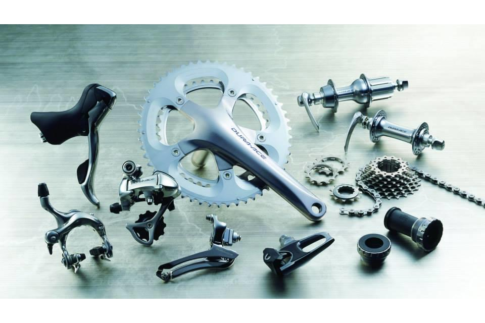 69ae244ee69 The move to 10-speed came in 2003 with Dura-Ace 7800, the first 10-speed  groupset, and by now Shimano was really making big inroads into the pro  ranks.